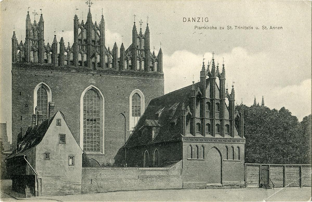 Dom krużgankowy przy kościele św. Trójcy przed 1908 rokiem